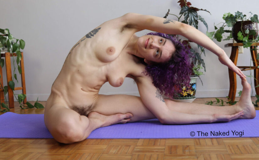 Sarah-Jane - The Naked Yogi